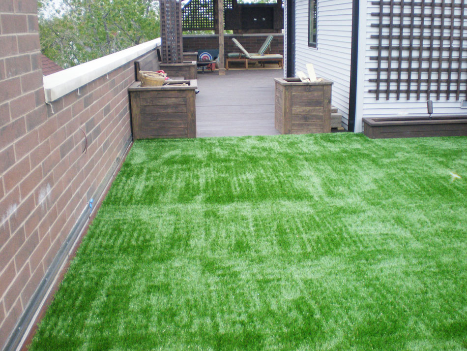 Artificial grass on rooftop deck in New Jersey