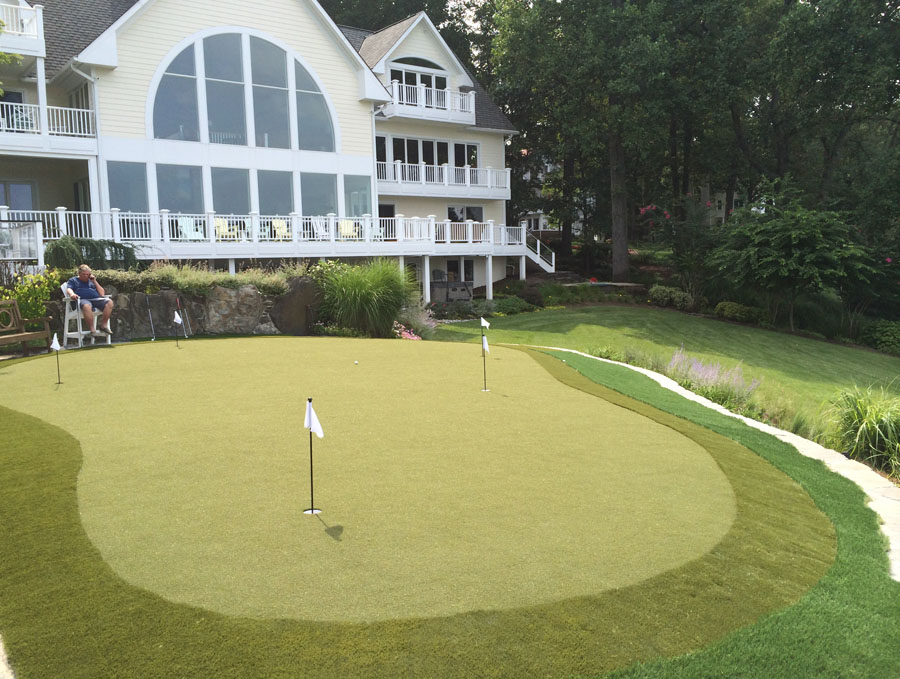 Putting green outside Annapolis MD golf club