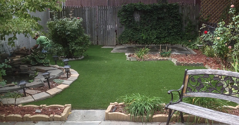 Landscaped garden in a Philadelphia artificial grass patio