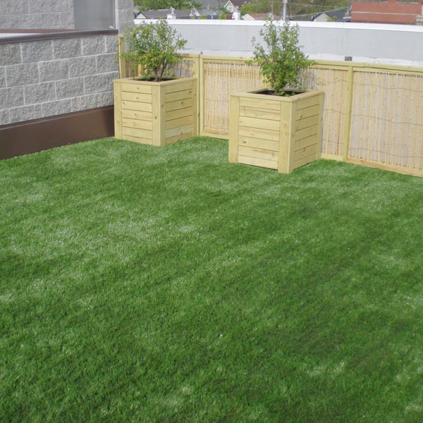 Superb Boxed Plants On An Artificial Grass Roof Deck In Philadelphia
